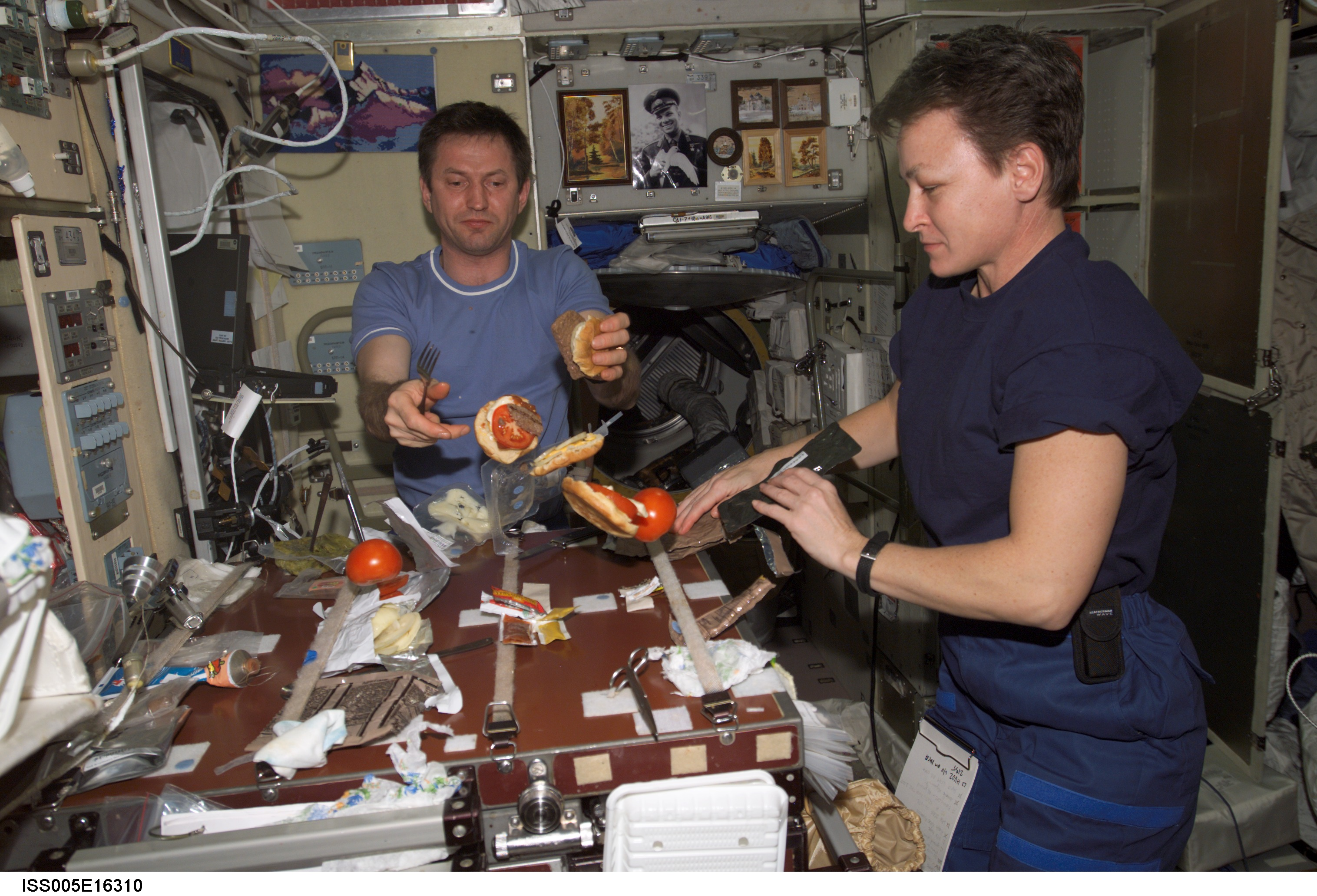 what do astronauts eat in space for breakfast - photo #13